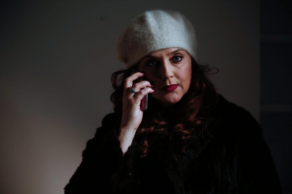 Suanne Braun as Elle.
